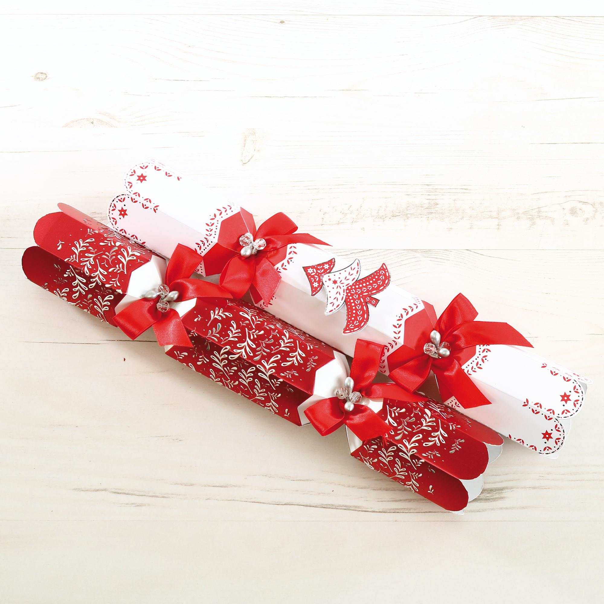 tom smith 6 red white luxury christmas crackers