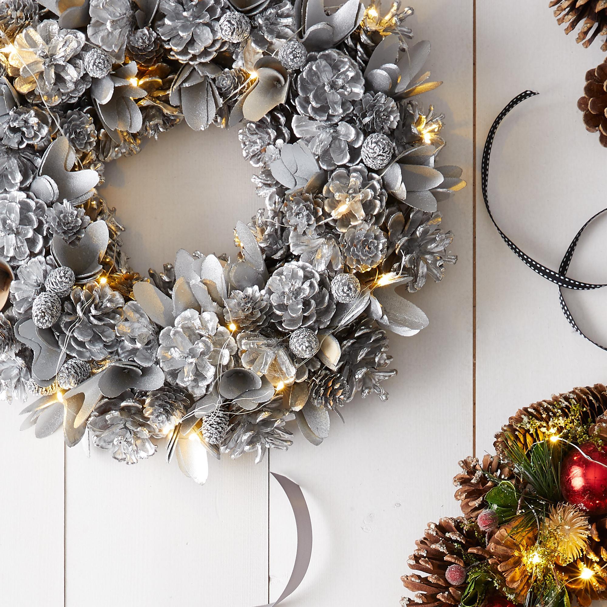 Silver Christmas Wreath.Led Festive Silver Christmas Wreath Cancer Research Uk